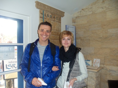 Guests from Russia visit the House of Israel.